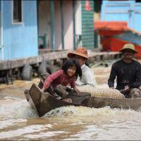 029-Камбоджа-озеро-Тонле-Сап-плавучая-деревня